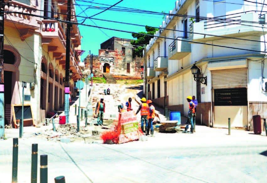 Adoquinan  en Ciudad Colonial; afianzan la seguridad y cultura
