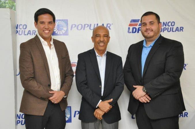 Desde la izquierda Andrés Portabella, Félix Ledesma y Cristhian Tonelli, en un aparte de la agenda de este miércoles, donde los directivos de FIFA y Concacaf se reunieron con ejecutivos de la LDF y Fedofutbol.