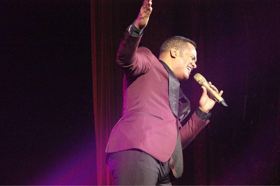 Alex Matos encanta con su salsa en concierto de Camilo Sesto en New York