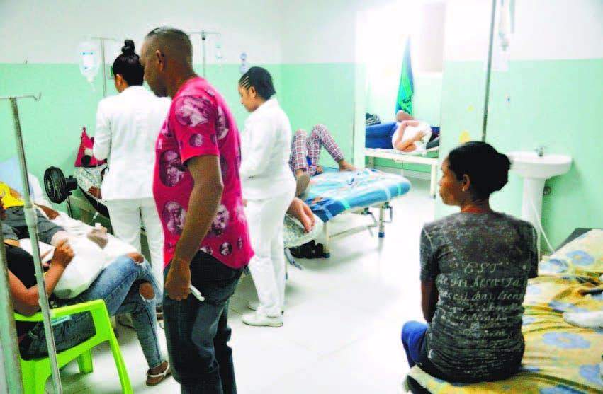 Hospital de La Vega opera con dificultad por  las reparaciones
