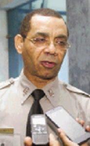 Arrestan dos; interrogan once por atentado elevado