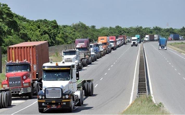 Los empresarios del transporte y camioneros exigen que se otorgue, entre otras cosas, el 50% de las cargas/Foto: Fuente externa.
