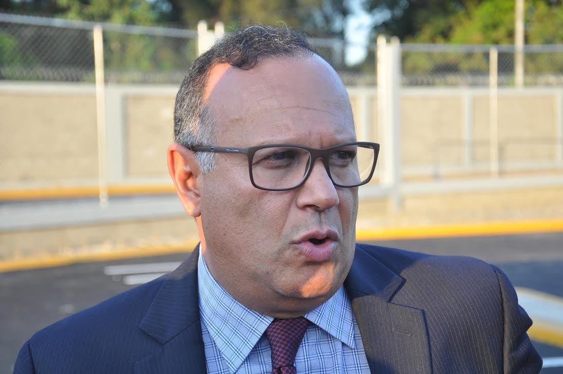 «Se perdieron los valores, principios y fines, que distinguían al PLD», dice Nelson Rodríguez al anunciar su salida del partido