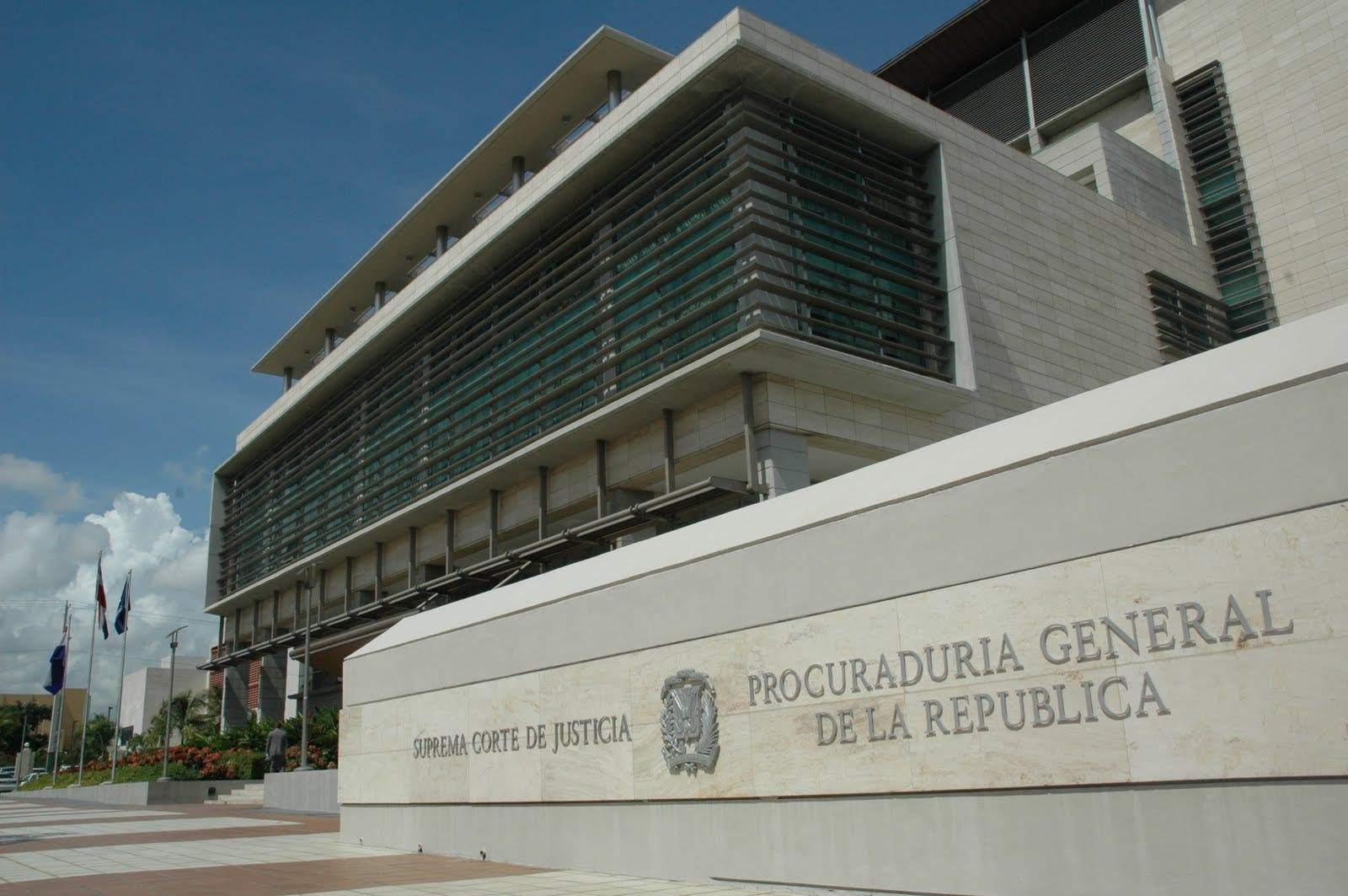 Fiscalía de La Vega niega detuvieran a grupo de reporteros gráficos