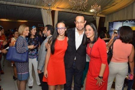 Elizabeth Infante, Reynaldo Infante y Cinthia Acosta (800x532)