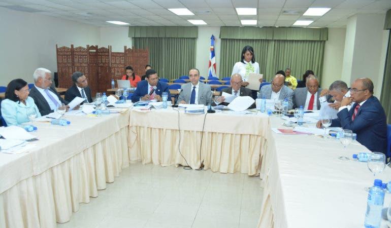 Comisión concluiría hoy  estudio proyecto  Partidos
