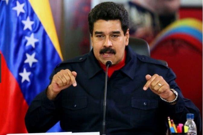 """Nicolás Maduro dice que Venezuela está en medio de """"una crisis revolucionaria"""""""