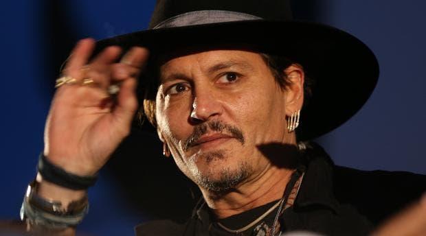 Johnny Depp crea polémica en Glastonbury al preguntarse por asesinato Trump