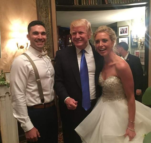 Trump aparece sorpresivamente en una boda