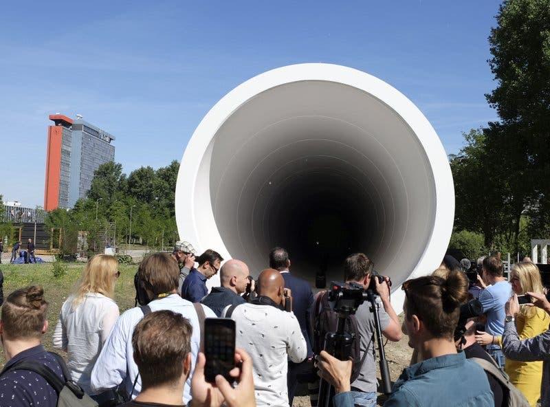 Desarrollan el «Hyperloop», un tubo de acero para sistema futurista de transporte de altísima velocidad