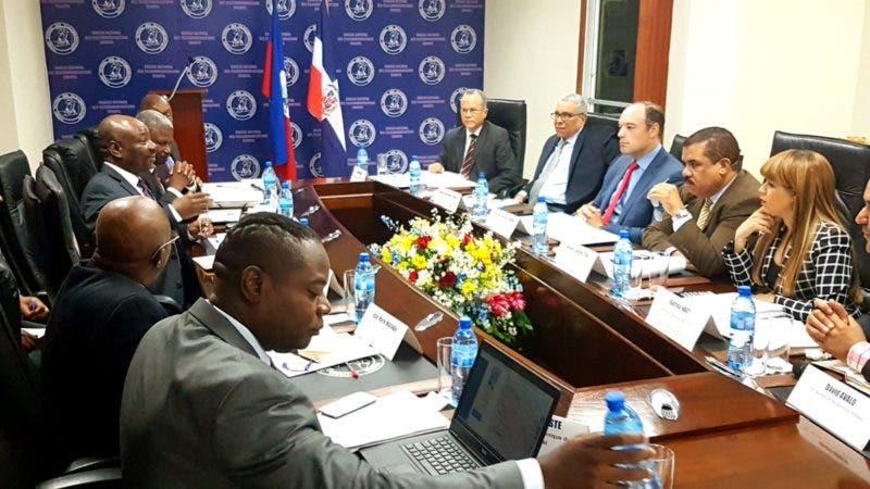 Resultado de imagen para autoridades de Conatel en Haití