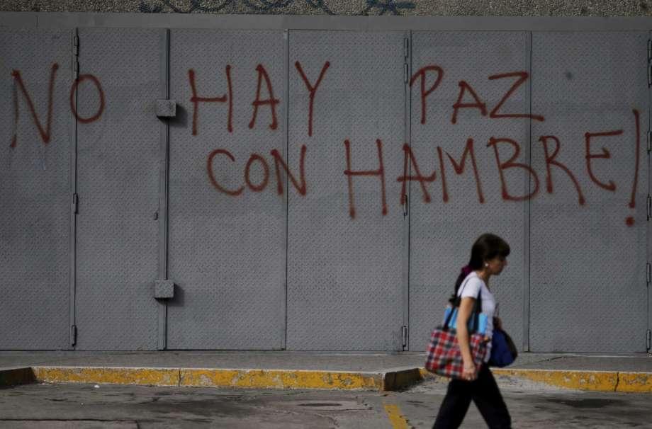 EEUU ordena a familias de diplomáticos salir de Caracas