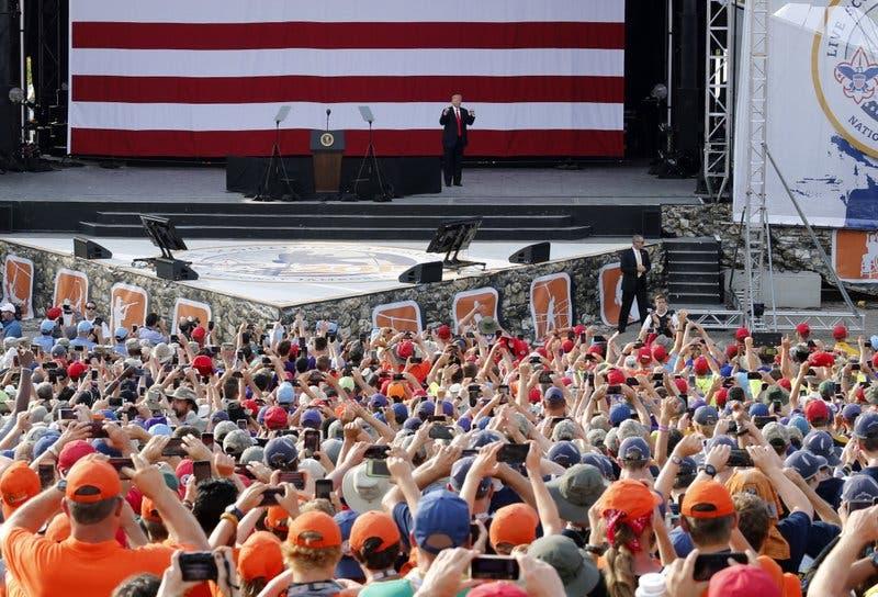 Discurso de Trump ante boy scouts deja mal sabor a muchos