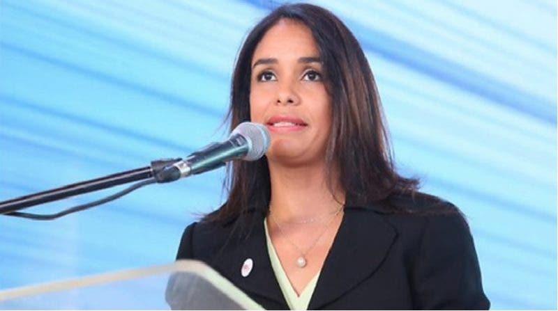 Claudia Franchesca de los Santos Tavarez .