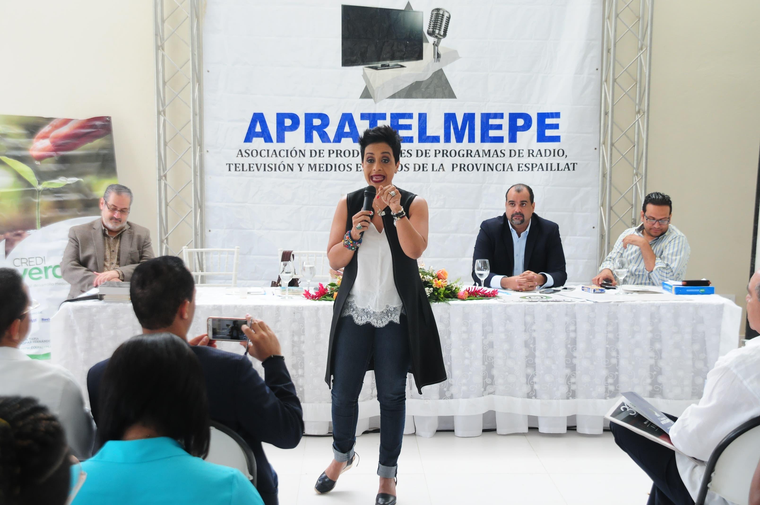 Comunicación: Teo Veras y Zoila Luna destacan en Moca sus desafíos