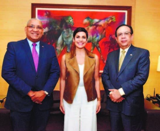Ervin Novas Bello, Yolanda Martínez y Héctor Valdez Albizu