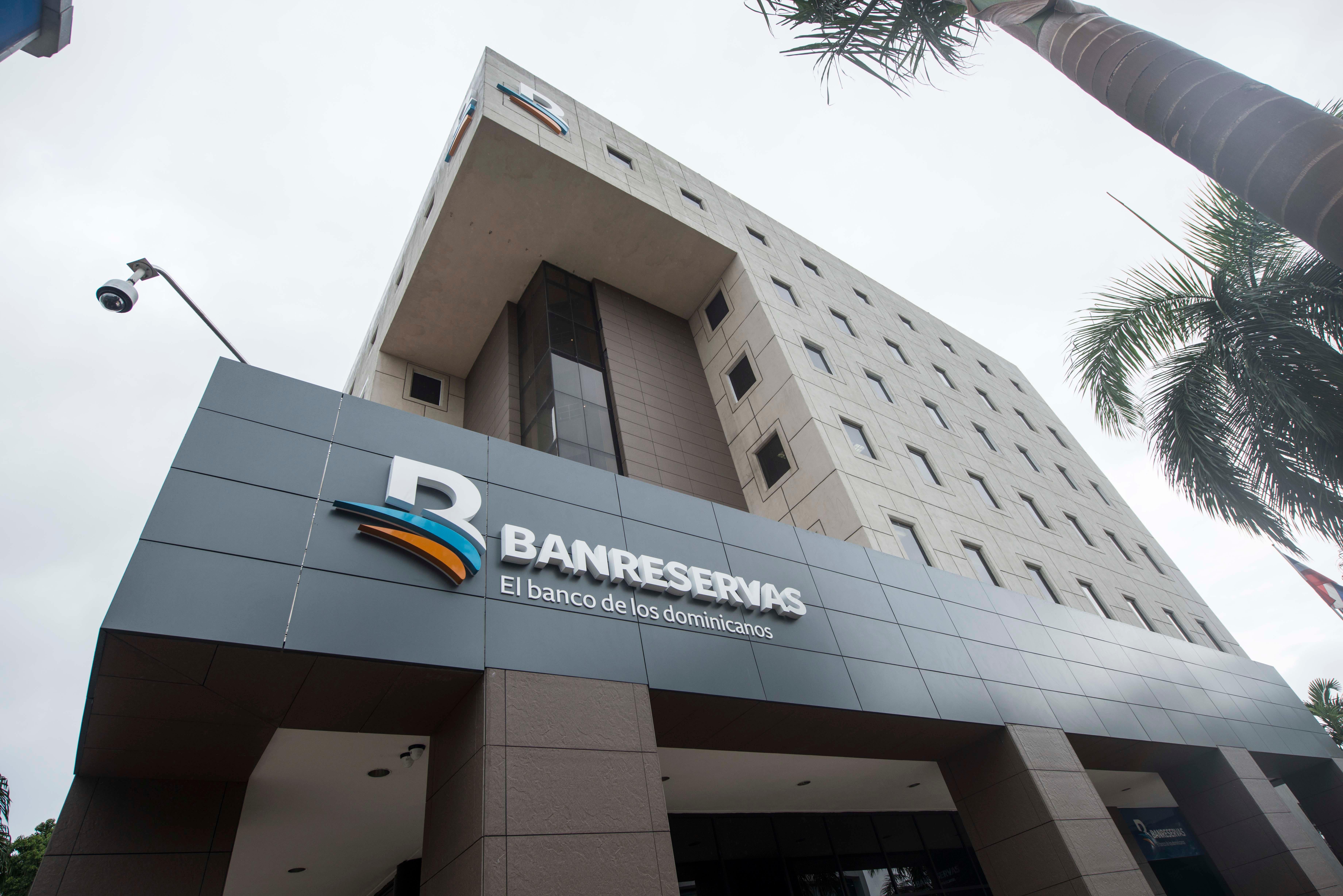 Moody's mejora calificaciones de los depósitos de Banreservas