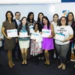 Grupo de destacadas mujeres emprendedoras capacitadas