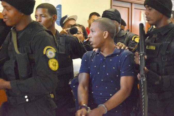 Tercer Juzgado de la Instrucción de la Provincia de Santo Domingo reenvía audiencia de solicitud de juicio de fondo por asesinato de Carla Massiel. Periódico HOY / Osi Méndez / 13-07-07