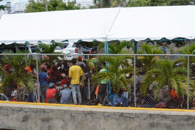 Visita al al centro de acogida de inmigrantes en el vocacional de Haina. Periódico HOY / Osi Méndez / 14-07-17