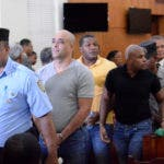 El Primer Tribunal Colegiado del Distrito Nacional condenó a seis y cinco años de prisión a los acusados de integrar una red mafiosa a lo interno de la Oficina de Ingenieros Supervisores de Obras del Estado (OISOE), y por extorsión al arquitecto David Rodríguez, quien se suicidó en un baño de la entidad gubernamental. Periódico HOY / Osi Méndez / 17-07-17
