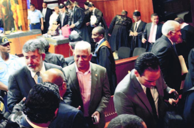 Reinicia audiencia conoce apelación imputados tras receso de una hora y media