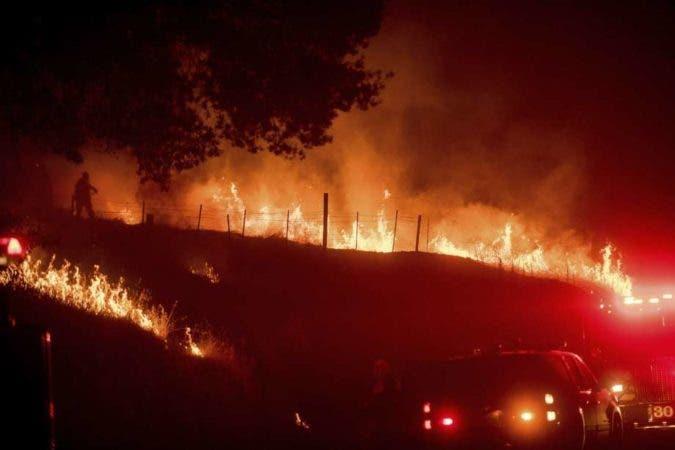 Las llamas destruyeron ocho inmuebles y obligaron a un desalojo. Fuente externa.