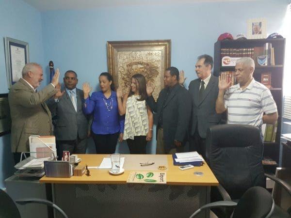 Juan Cohen juramenta los nuevos miembros del Directorio Central Ejecutivo del PNVC
