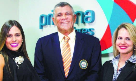 Laura Hernández, Rafael Villalona y Paola García, en el encuentro