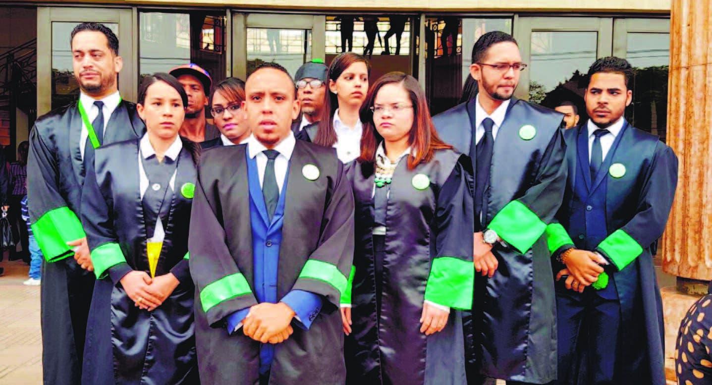 Los defensores públicos, durante su participación en La Esquina Joven de Hoy, hicieron referencia al gran cúmulo de trabajo, lo cual no se corresponde con el ¨pírrico¨ salario