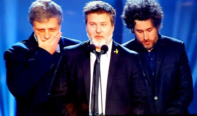 Los directores recibnen el Premios Platino