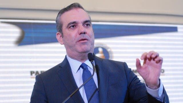 Luis Abinader afirma que además de prevenir y castigar la corrupción el país debe fomentar una nueva cultura ética