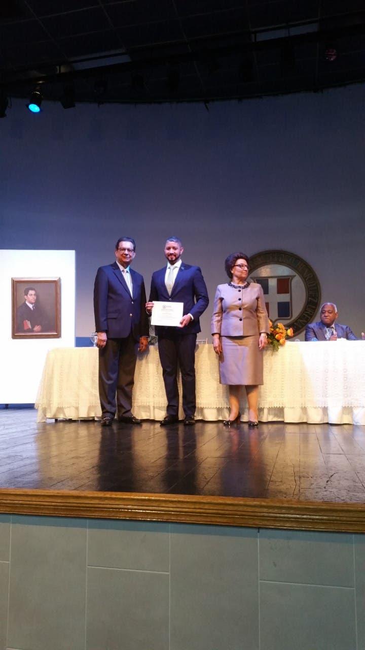 UNPHU celebra graduación del programa de certificación docente del modelo educativo