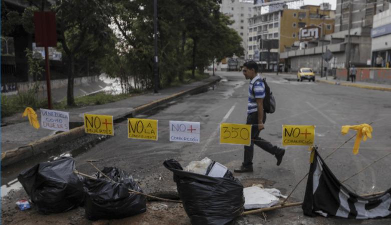 Continúa el paro general en Venezuela tras dos muertos y 159 detenidos ayer