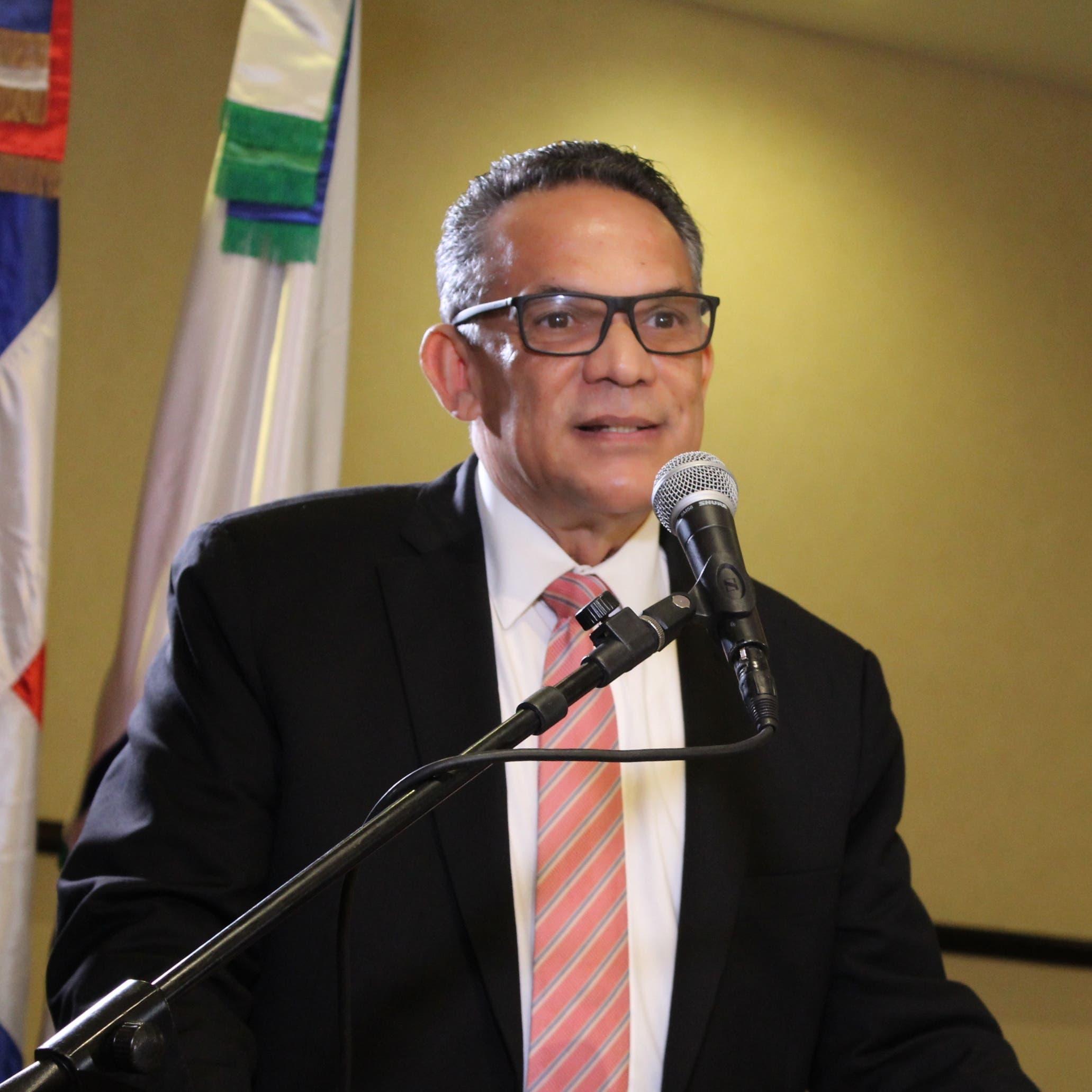 Ventura Camejo felicita a Danilo Medina por decisión de aumentar salarios a sector público