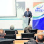Rafael Ovalles durante la conferencia