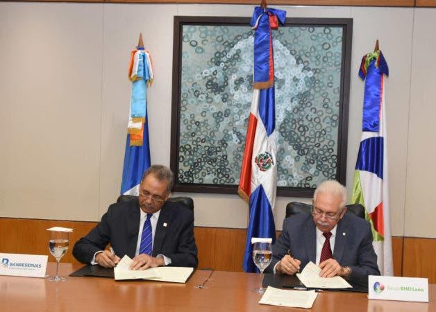 Simón Lizardo y Luis Molina Achécar.