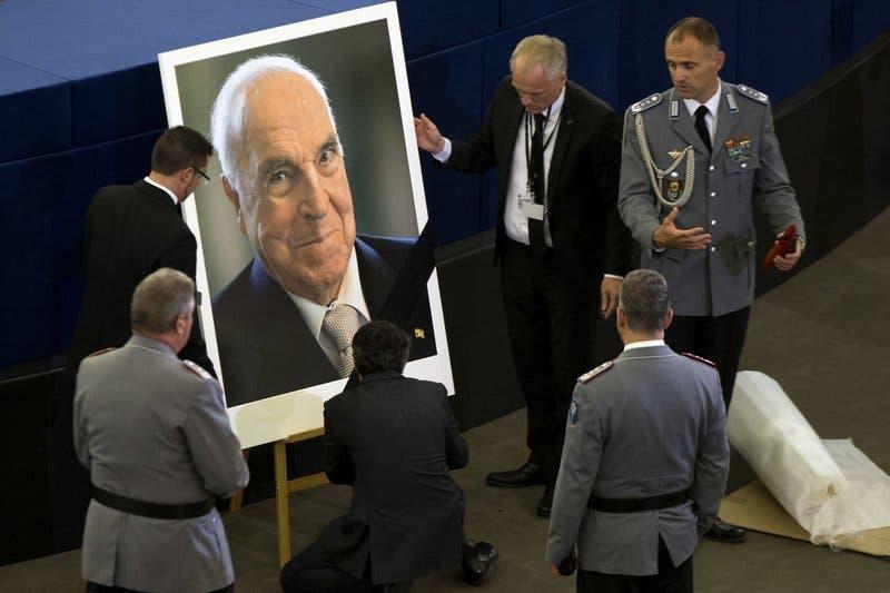 Líderes de todo el mundo despiden al excanciller alemán Kohl