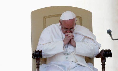 """El Papa denuncia la """"violencia ciega del terrorismo"""" y reza por víctimas"""