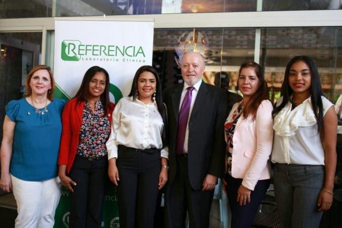 Mirna Ornes, Santa Rosario, Dalia Parra, Juan Carlos Álvarez, Eileen Riego Trejo y Dairys Morillo.