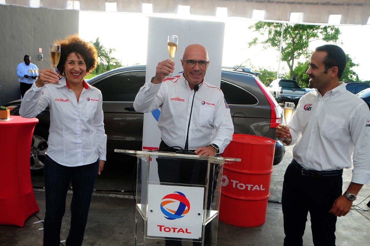 Total Dominicana y DES firman acuerdo para distribución lubricantes