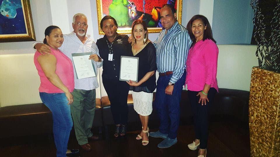 Corporación Merengue en Boston reconoce alcalde como huésped distinguido