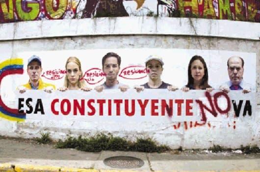 Fuerzas armadas de Venezuela se declararon en rebeldía — Urgente