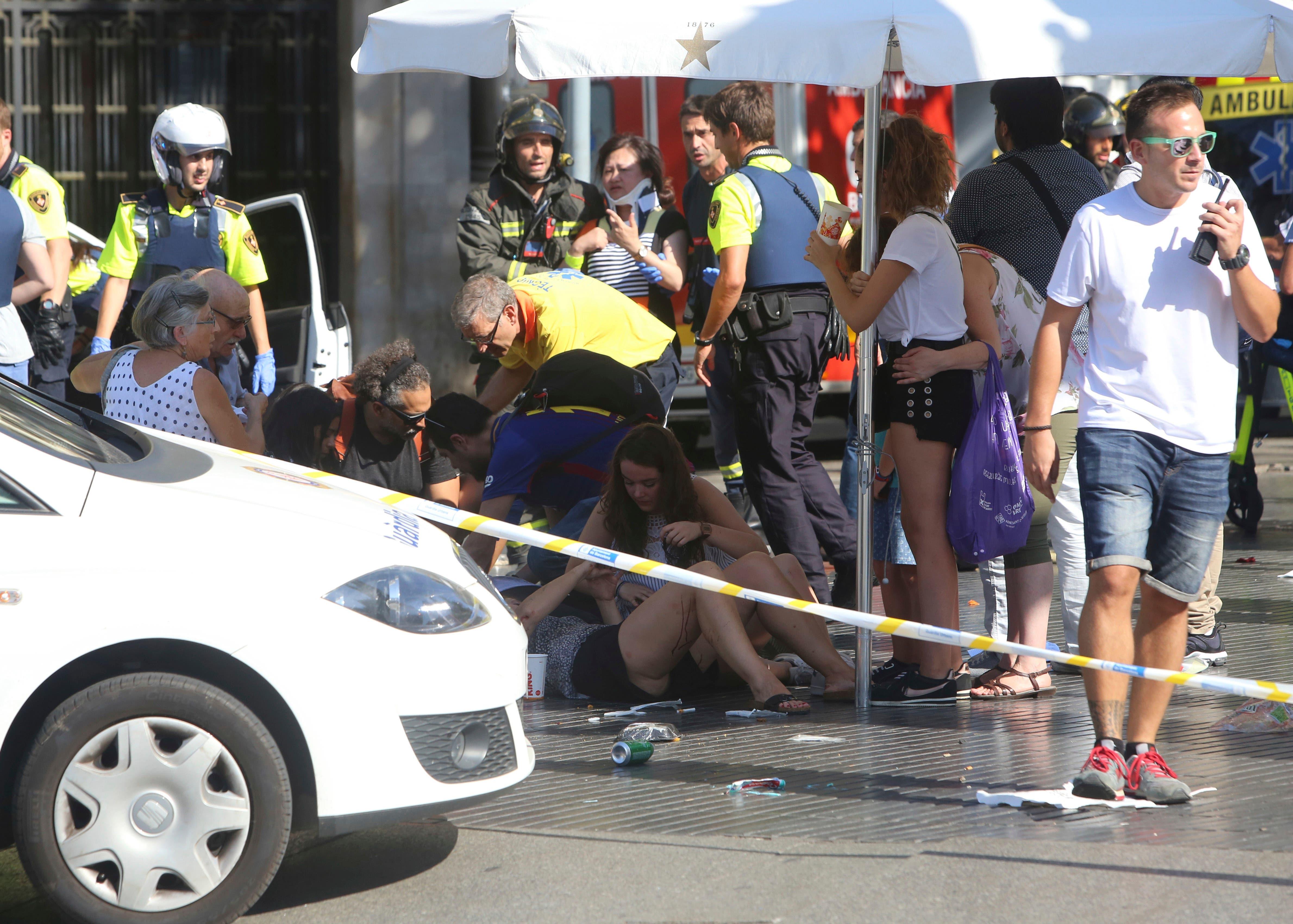 En su mayoría españoles, los muertos en atentados de Cataluña