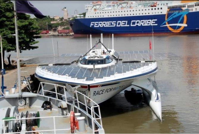 Barco energía solar