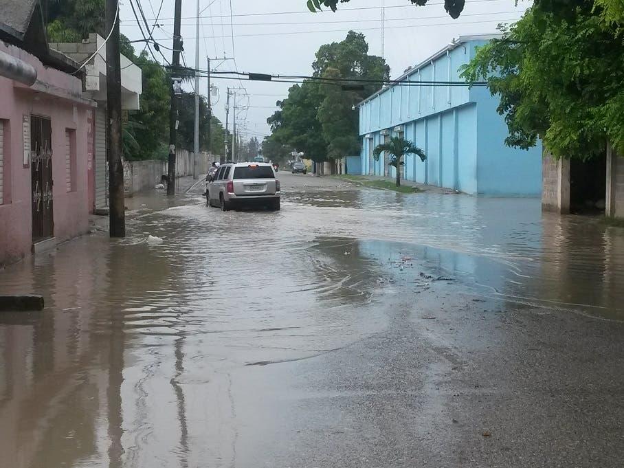 Residentes en Los Frailes II se quejan por falta de atención del Ayuntamiento de Santo Domingo Este