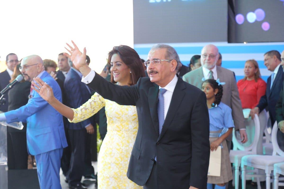 Danilo Medina deja iniciado el año escolar 2017-2018