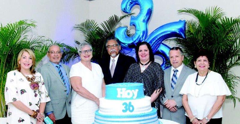 Directivos y empleados festejaron ayer el 36 aniversario de HOY