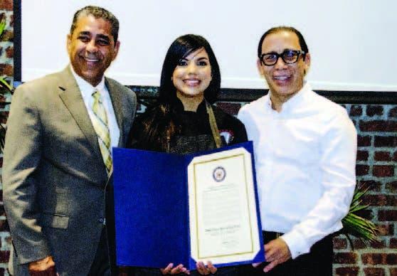 El congresista Adriano Espaillat, Inés Páez (Chef Tita) y Cirilo