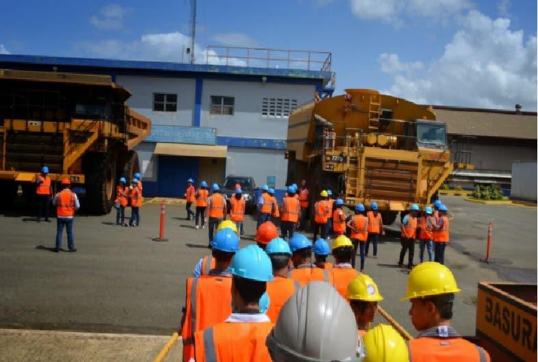 Derrame de combustible Falcondo afecta 19 residentes en Haina